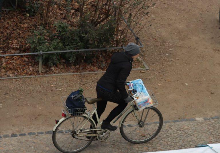 vá de bicicleta - transporte sustentável